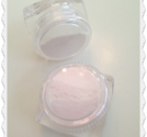 Vit pigment med lila inslag färg pigment